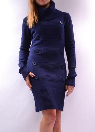 Вязаное шерстяное платье с хомутом. италия