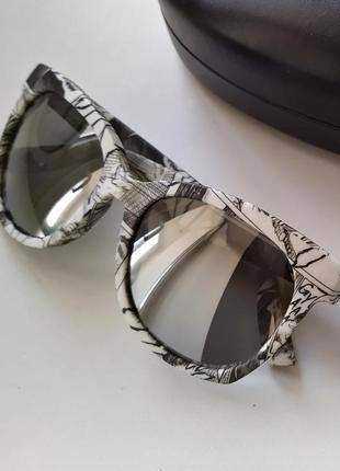 Новые очки alexander mcqueen чёрно-белые принт манга солнцезащитные зеркалные
