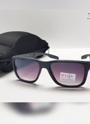 Дитячі сонцезахисні окуляри із футляром  оправа сірого матового кольору
