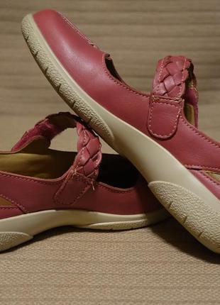 Легкие кожаные туфельки цвета малиновой пенки и баклажанного цвета hotter shake