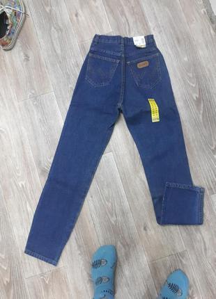 Винтажные фирменные джинсы на стройняшек.