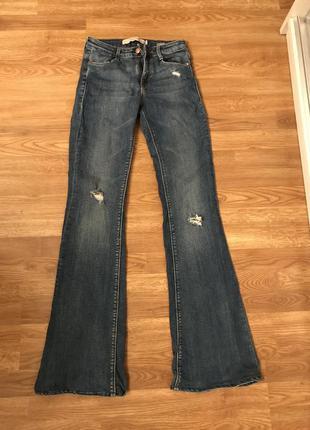 Zara джинсы клешь