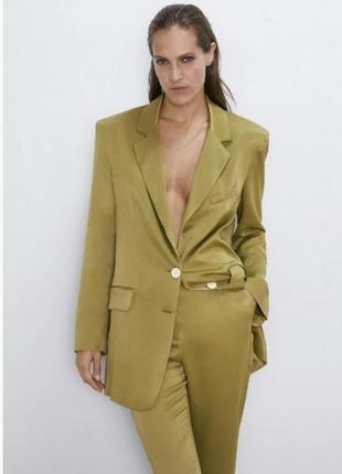 Шикарний оливковий атласний піджак
