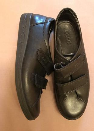 Ecco кожаные кроссовки туфли  р. 39 - 40