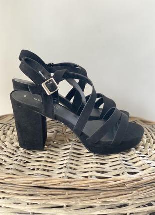 Босоножки на блочном каблуке new look, размер 37