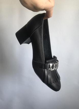 Кожаные туфли черные bianco на широком каблуке3 фото