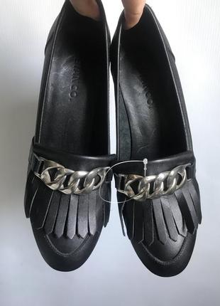 Кожаные туфли черные bianco на широком каблуке4 фото