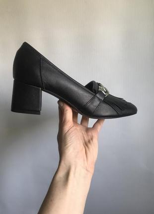 Кожаные туфли черные bianco на широком каблуке5 фото