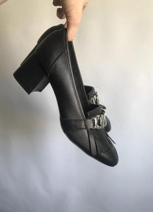 Кожаные туфли черные bianco на широком каблуке8 фото