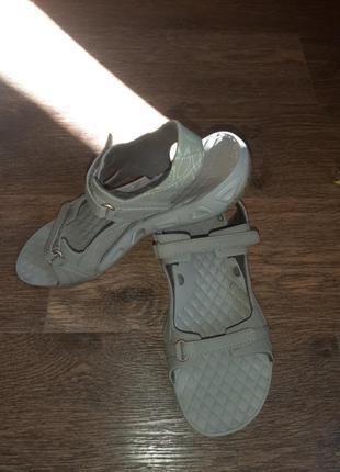 Женские сандалии, размер 39