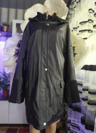 Зимняя куртка.капюшон на молнии.пог 77. рукав 80. длина по спинке 90.