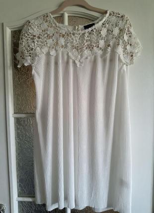 Новая белоснежная блуза  с дорогим кружевом фирмы b.you ,размер 48-50.