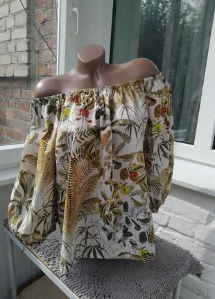 Шикарная блуза в тропический принт с широкими рукавами буфами