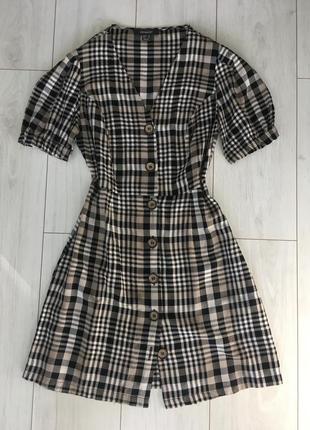 Платье на пуговицах