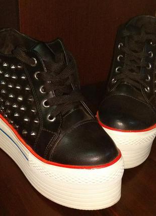 Супер кроссовки на платформе