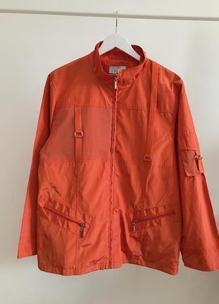 Яркая оранжевая куртка ветровка steve ketell