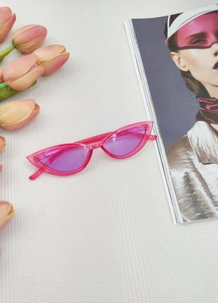 Сонцезахисні окуляри кіски лавандового кольору