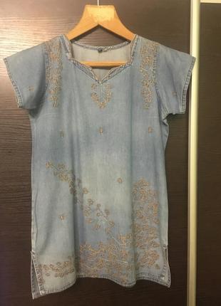 Джинсовая блуза с вышивкой
