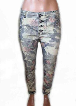 Брюки тонкие джинсы скинни милитари с цветами / италия, м