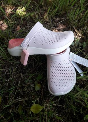 Женские crocs lite ride clog powder white
