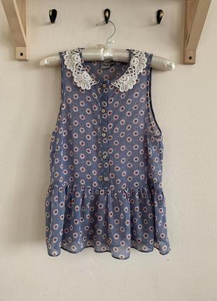 Шифоновая блуза с отложным ажурным воротником asos