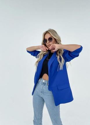 Стильный пиджак с подплечниками лёгкий яркий тренд
