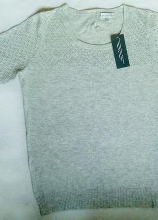 Нежный ангоровый теплый свитер с красивой перфорацией. размер - 14, можно 12. новый!