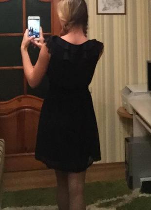 Маленьке чорне плаття платье