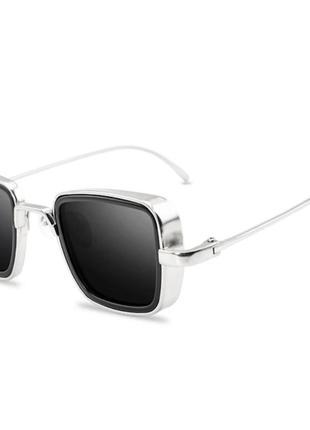 Очки солнцезащитные,  в металической оправе