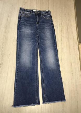 Нові джинси stradivarius