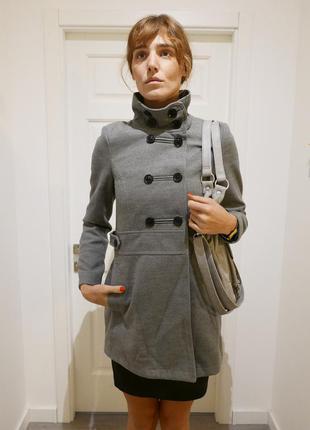 Осеннее пальто pull&bear
