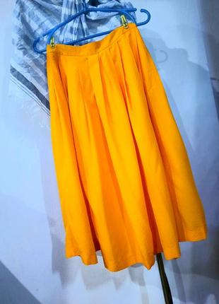 Модная сочная юбка в складку  на худенькую девушку topshop