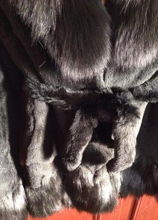 Шуба  из меха кролика с воротником из черной бурки