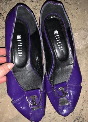 Балетки фиолетовые лаковые туфли