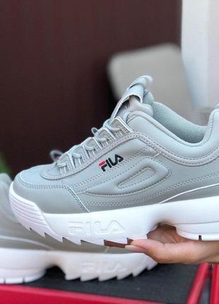 Жіночі кросівки fila disruptor 2 сірі з білим