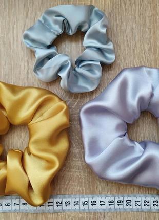 Набор объемных атласных резинок для волос