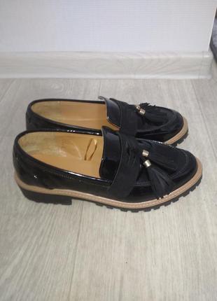Стильные лаковые туфли лоферы papaya