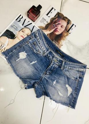 Крутые джинсовые шорты с потертостями от sexy sense