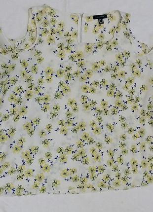 Блуза в цветочек 20 р.