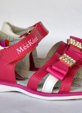 Кожаные босоножки для девочек meekone