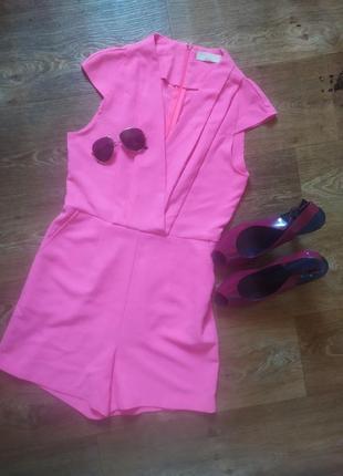 Ромпер яркий розовый комбинезон