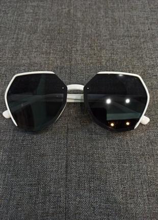 Модные ,актуальные очки от солнца