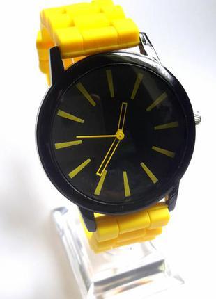 Часы силиконовые желтый