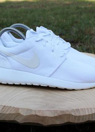 Белые кроссовки nike roshe one оригинал, размер 39 (беговые, спортивные)