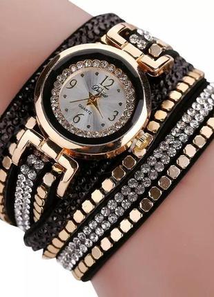 Часы-браслет очень красивые
