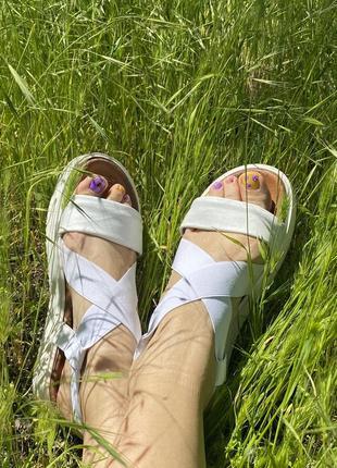 Кожаные сандалии, босоножки на платформе