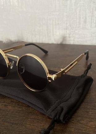 Стильные солнцезащитные очки в стиле ретро
