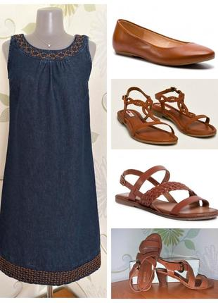 Платье джинсовое свободного кроя с вышивкой трапеция