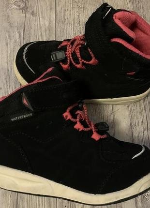 Фирменные термо ботинки с системой waterproof