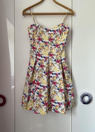 Летнее платье в цветочек, платье в цветочный принт
